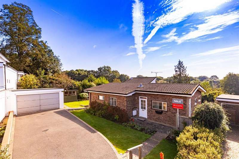 4 Bedrooms Detached Bungalow for sale in Ravensmere, Epping