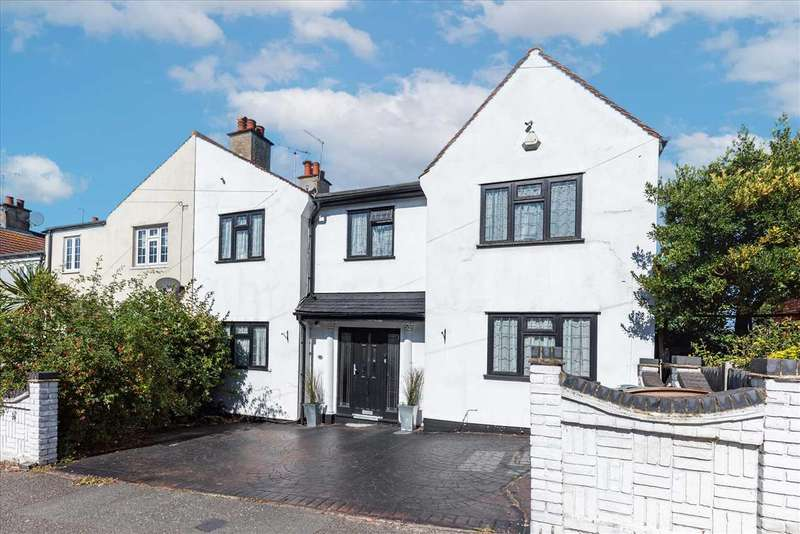 5 Bedrooms Semi Detached House for sale in Sky Peals Road, Woodford Green, Essex, IG8