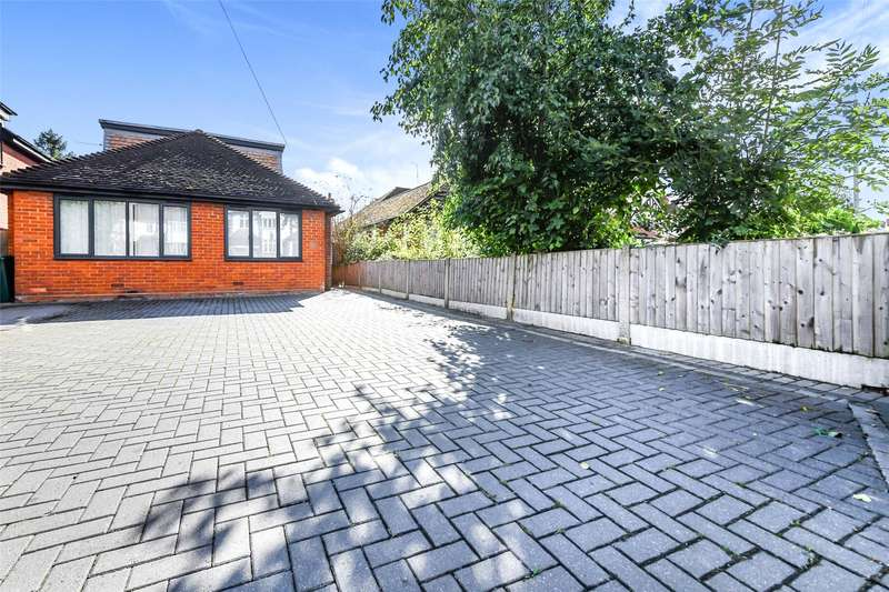 4 Bedrooms Detached Bungalow for sale in Chelmsford Road, Shenfield, Brentwood