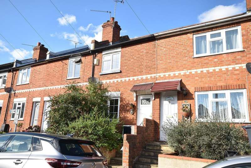 2 Bedrooms Terraced House for sale in Oxford Street, Caversham, Reading