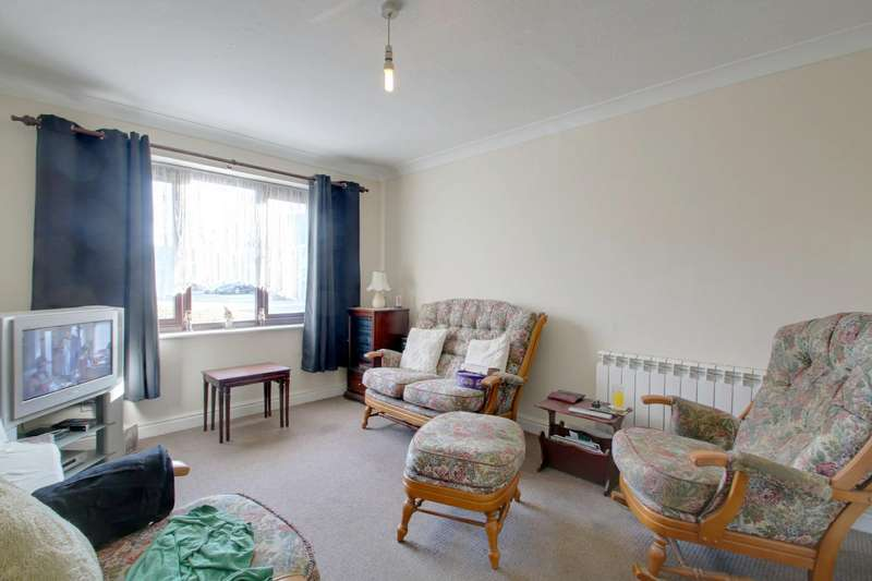 1 Bedroom Flat for sale in Empire Court, Clacton on Sea