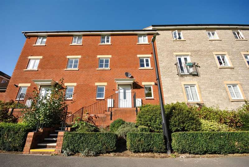 3 Bedrooms Terraced House for sale in Snowberry Walk, Bristol