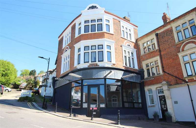 2 Bedrooms Apartment Flat for rent in Leigh on Sea
