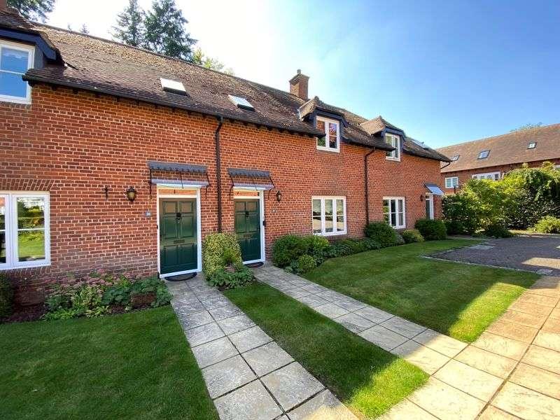 2 Bedrooms Property for sale in Badsworth Gardens, Newbury