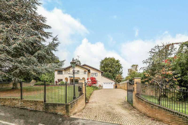 4 Bedrooms Detached House for sale in Cedar Drive, Pangbourne (off flowers Hill)