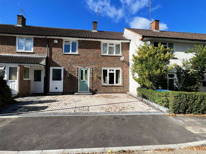 3 Bedrooms Terraced House for sale in Peregrine Close, Bracknell, Berkshire, RG12