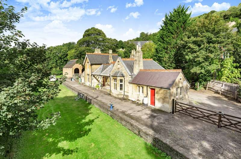 4 Bedrooms Detached House for sale in Station Road, Nailsworth, Stroud, GL6