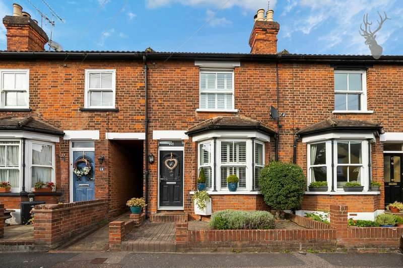 3 Bedrooms Terraced House for sale in Bower Vale, Epping, Essex