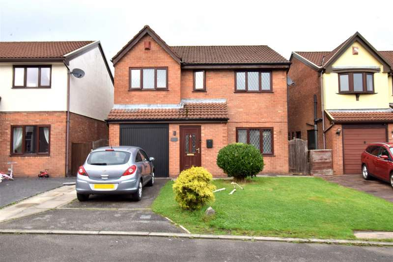 4 Bedrooms Detached House for sale in Common Street, Westhoughton, Bolton