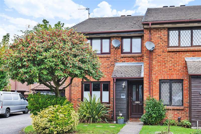 3 Bedrooms End Of Terrace House for sale in Otter Close, Crowthorne, Berkshire, RG45 6TN