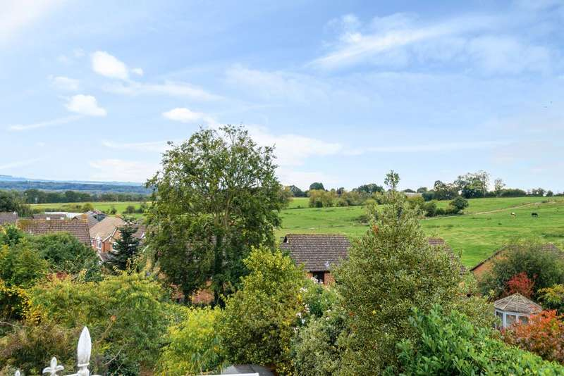 3 Bedrooms Cottage House for sale in Cold Ash, Thatcham, RG18