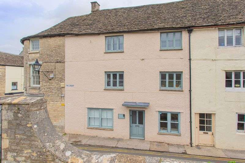 4 Bedrooms Property for sale in The Green, Tetbury