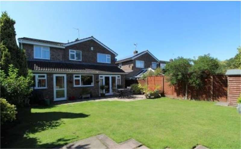 4 Bedrooms Detached House for sale in Kingston Drive, Nailsea, Bristol, North Somerset
