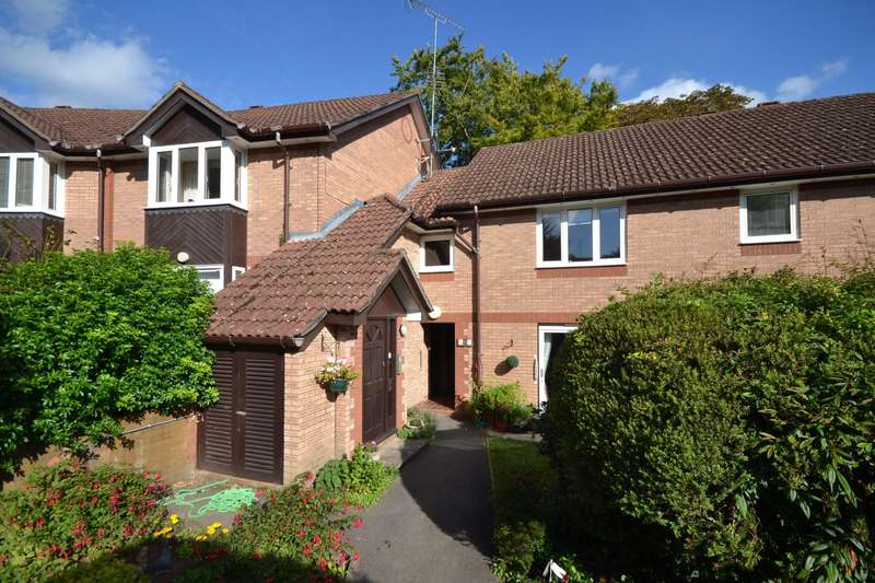 2 Bedrooms Apartment Flat for sale in The Cloisters, Priest Hill, Reading