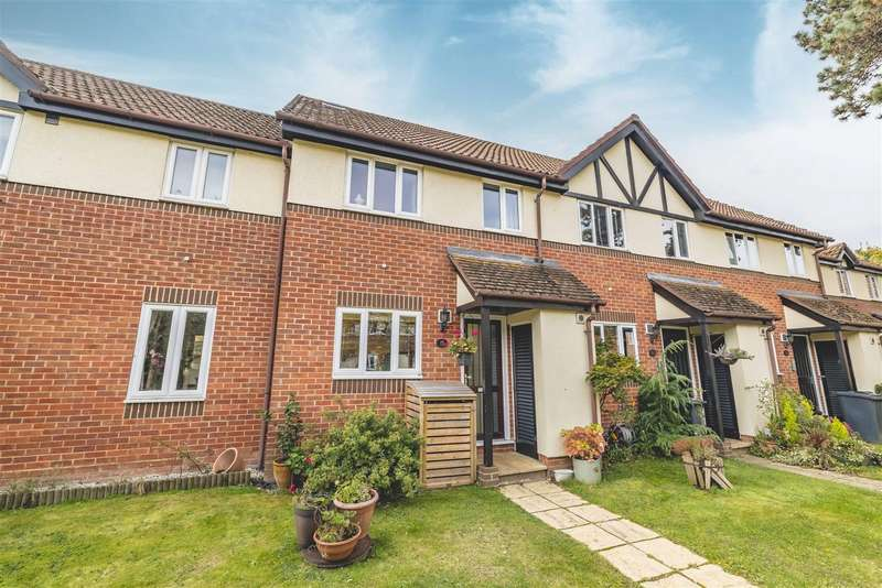 3 Bedrooms Terraced House for sale in Petworth Court, Helston Lane, Windsor
