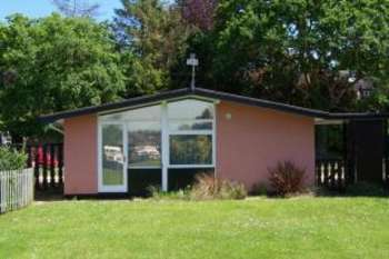 2 Bedrooms Bungalow for sale in Lower Street, Horning, Norwich, Norfolk