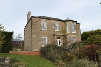 5 Bedrooms Detached House for sale in Crosshill, Chirnside, Duns