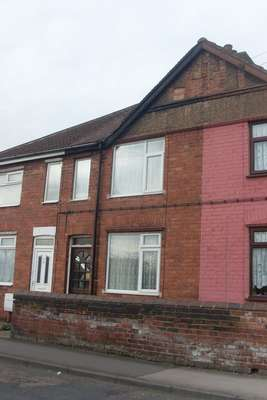 Property for sale in Queens Crescent, Edlington, Doncaster
