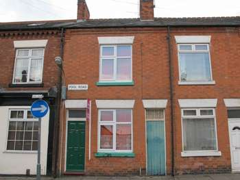 2 Bedrooms Terraced House for sale in 136 Pool Road. Leicester. LE3 9GE
