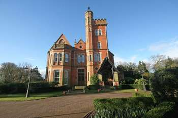 2 Bedrooms Flat for sale in Lodge Lane, Poulton-Le-Fylde