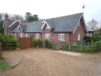 3 Bedrooms Semi Detached House for sale in Standon Court, Standon, Nr Eccleshall