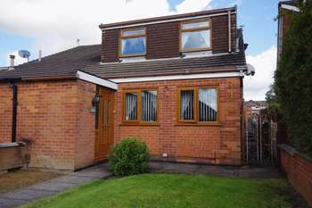 4 Bedrooms Semi Detached House for sale in Dove Bank Road, Little Lever, Bolton