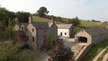 4 Bedrooms Cottage House for sale in Tryfan Isaf, Henllan