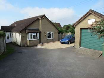 3 Bedrooms Detached Bungalow for sale in Resthaven, Baggs Lane, Cheddar