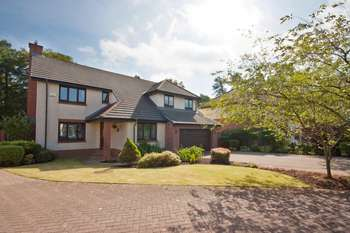 5 Bedrooms Detached House for sale in Saltcoats Gardens, Bellsquarry, Livingston, EH54 9JD