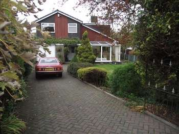 5 Bedrooms Detached House for sale in Ramsden Road, Wardle, Rochdale