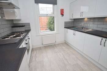 5 Bedrooms House for rent in Charminster, Bournemouth