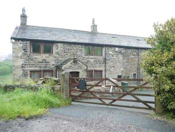 4 Bedrooms Detached House for sale in Dean Brow Farm, Old Road, Denholme, Bradford BD13 4EL