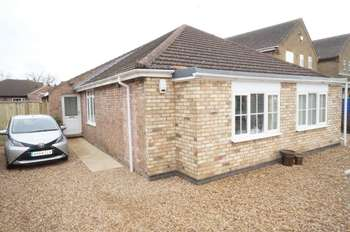 4 Bedrooms Bungalow for sale in Wype Road, Eastrea, PE7
