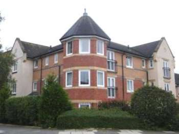 2 Bedrooms Flat for sale in Sandringham Court, Darlington