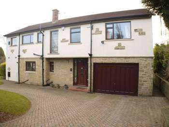 5 Bedrooms Detached House for sale in Yew Tree Avenue, Bradford
