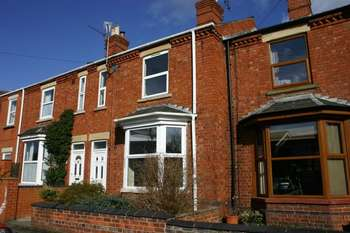 3 Bedrooms Terraced House for sale in Mareham Lane, Sleaford