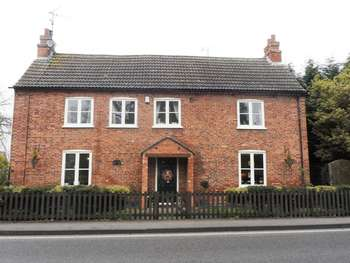 4 Bedrooms Semi Detached House for sale in Main Street, Kirklington