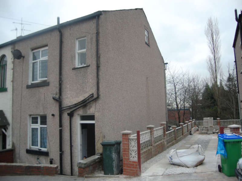 4 Bedrooms Semi Detached House for sale in Roach Place, Rochdale, Lancashire, OL16 2DD