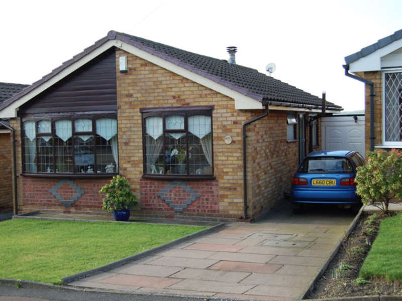 2 Bedrooms Bungalow for sale in Leander Drive, Castleton Road, Rochdale, OL11 2XA