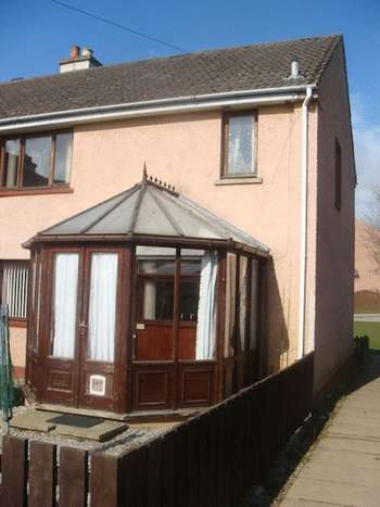 3 Bedrooms Semi Detached House for sale in REDUCED PRICE Woodlands Drive, Invergordon