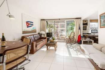 2 Bedrooms Flat for sale in Bishops Wharf House, 51 Parkgate Road, London, SW11