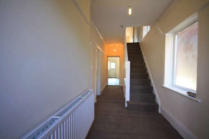 4 Bedrooms Semi Detached House for sale in Brooklands Road, Manchester
