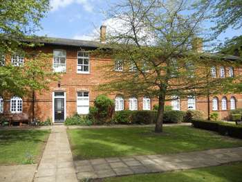 2 Bedrooms Flat for sale in Dunstable Street, Ampthill, Bedford