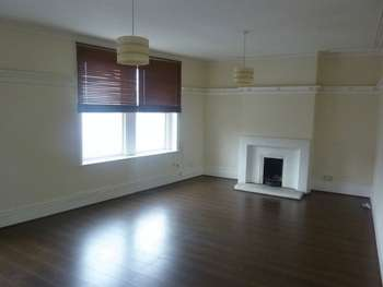 4 Bedrooms Flat for sale in Hamlet Court Road, Westcliff-On-Sea