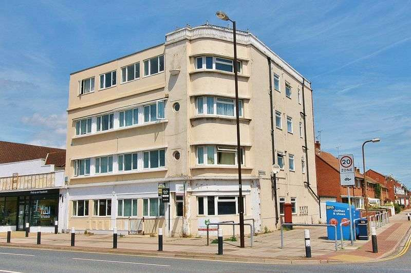 2 Bedrooms Flat for sale in Milton Road, Milton