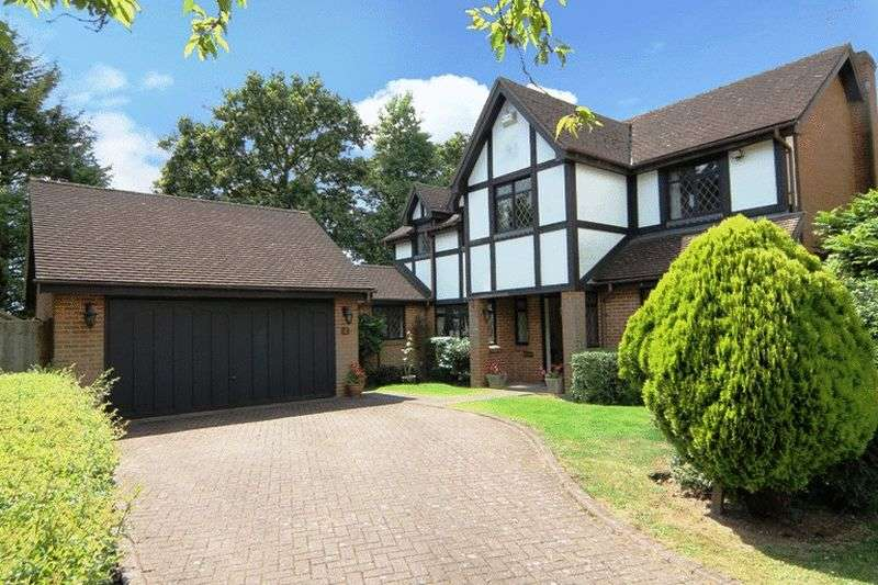 5 Bedrooms Detached House for sale in Woodward Gardens, Stanmore