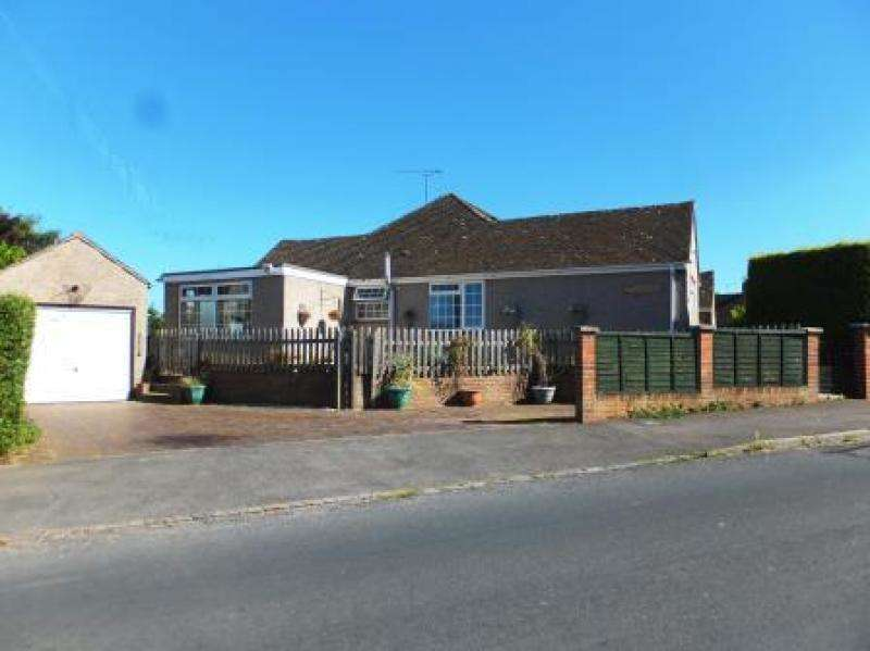 3 Bedrooms Semi Detached Bungalow for sale in 21 Folly View Road