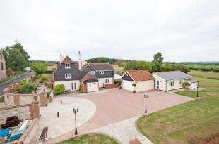 6 Bedrooms Detached House for sale in Dean Street, East Farleigh, Maidstone, Kent