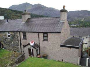 3 Bedrooms Semi Detached House for sale in Morgan Street, Gerlan, Bethesda, Gwynedd, LL57