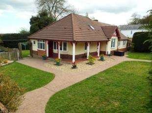 5 Bedrooms Detached House for sale in Swan Lane, Gwernymynydd, Mold, Flintshire, CH7